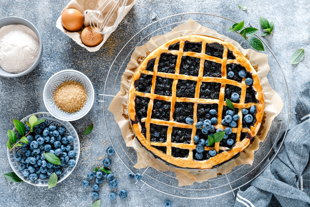 Traditional American Blueberry Pie