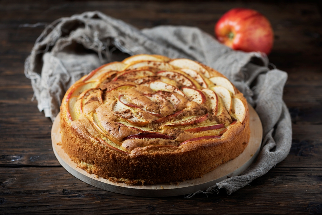 Homemade Apple Cake