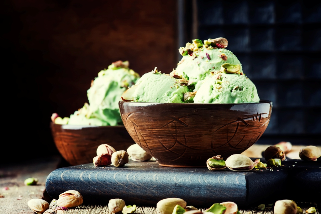 Pistachio Ice Cream (With Real Pistachios)