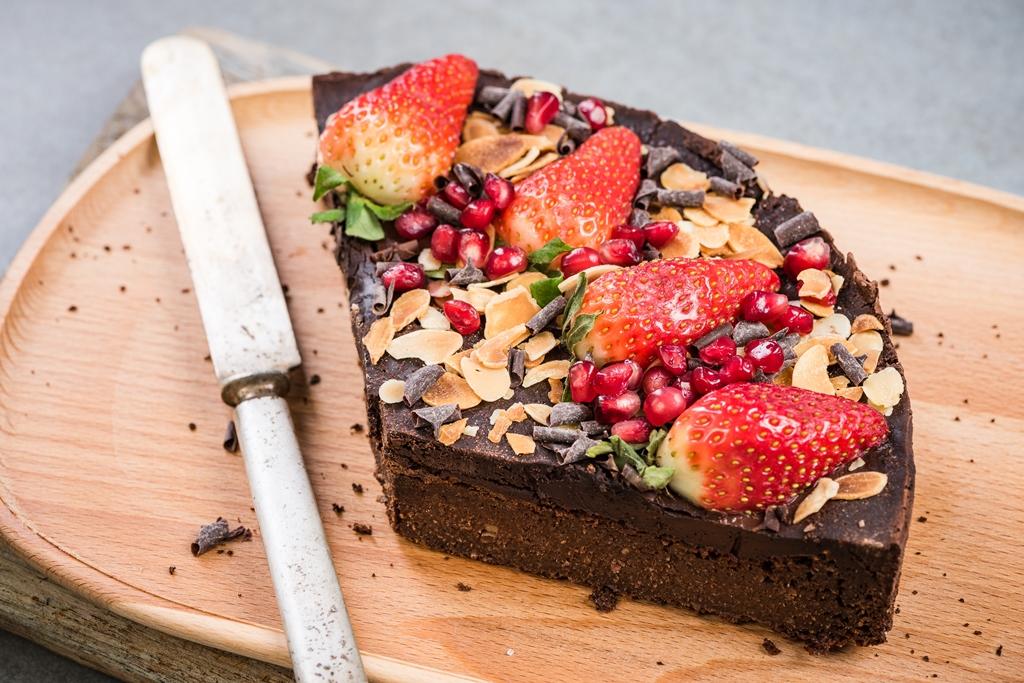 Vegan Chocolate Cake With Strawberries
