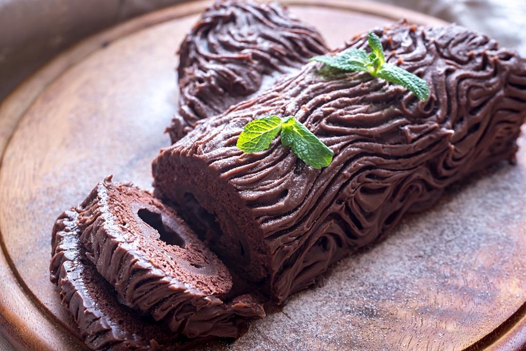 Yule Log Cake (Buche de Noel)