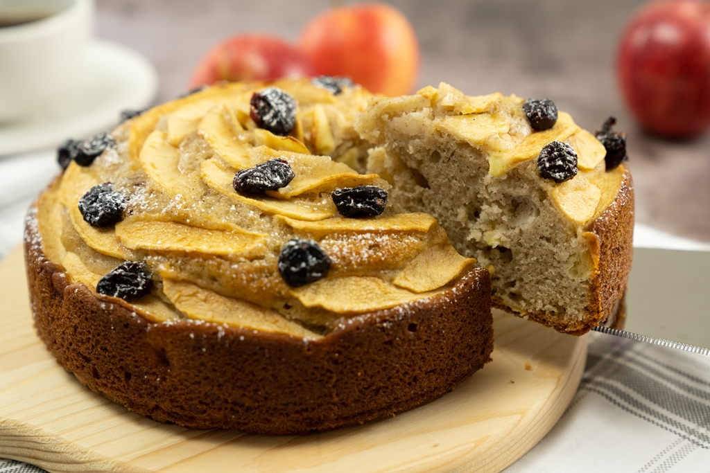 Apple Cinnamon Cake